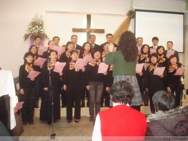 的双手》姊妹高唱《欢乐佳音歌》   用《圣诞感恩歌》见证《